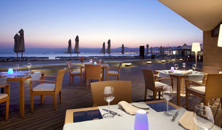 Outdoor dining at the Kempinski Hotel Aqaba, Jordan