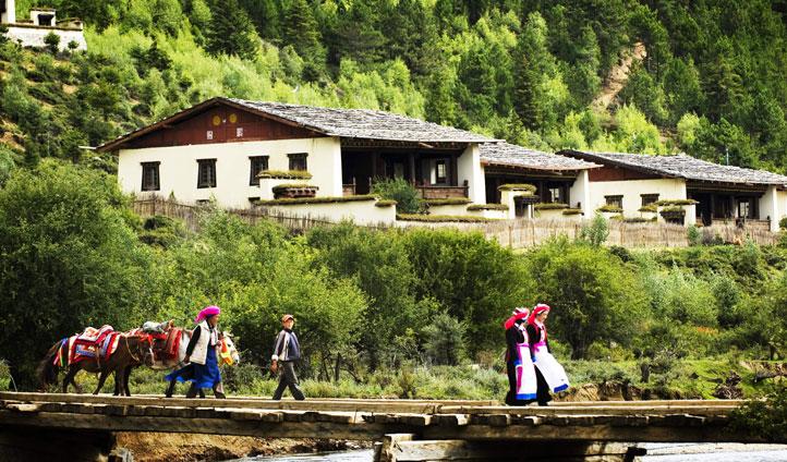 Tribe in Tibet, Shangri-La