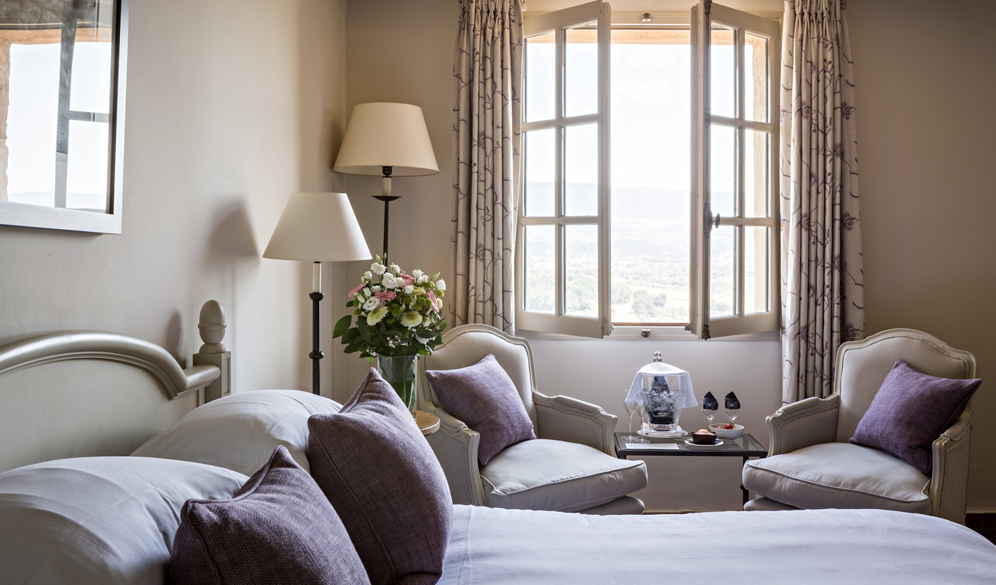 Bursting with Provencal charm, cosy up in your charming suite at Crillon le Brave