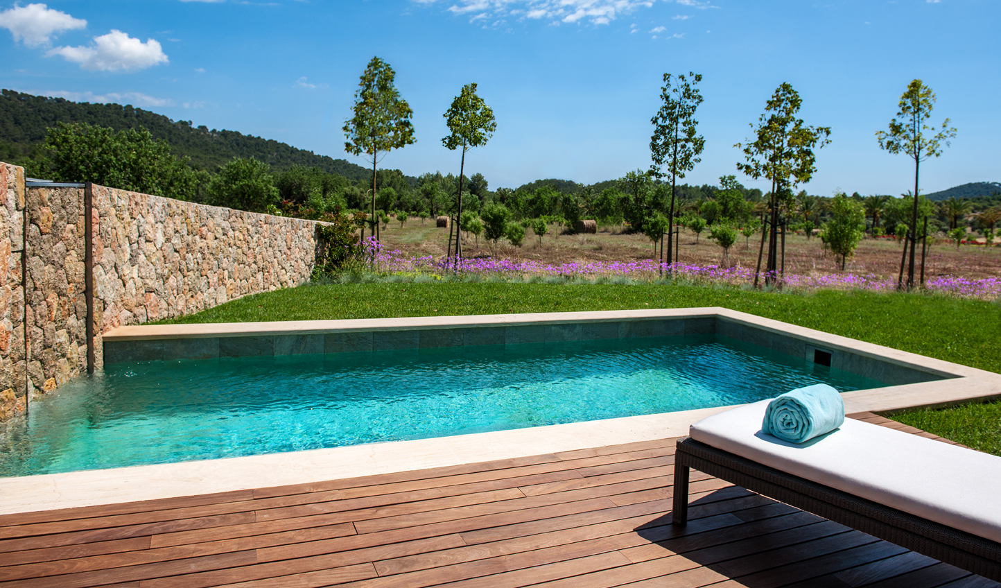 Your private pool and garden