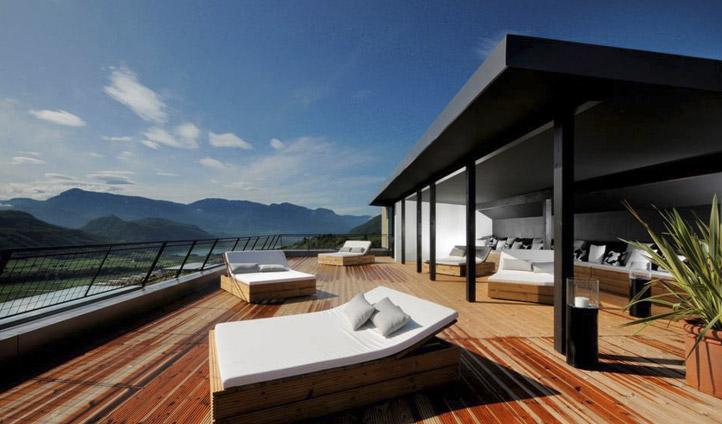 Gius Hotel sun beds