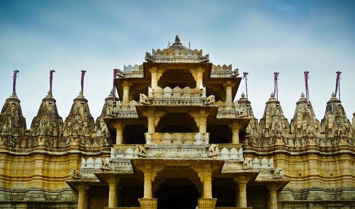 Visit Ranakpur on your way to Udaipur