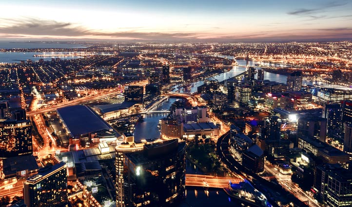 Discover the beauty of Melbourne by night