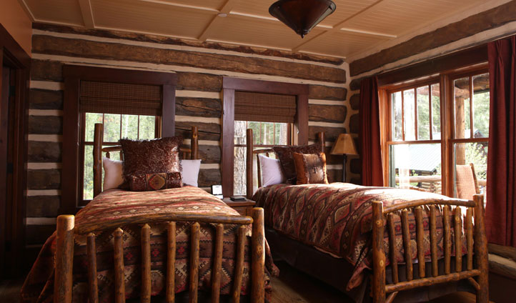 A twin room at The Ranch at Emerald Valley