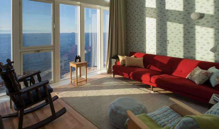 Floor to ceiling windows for spectacular viewings of the Atlantic - Photo © Alex Fradkin