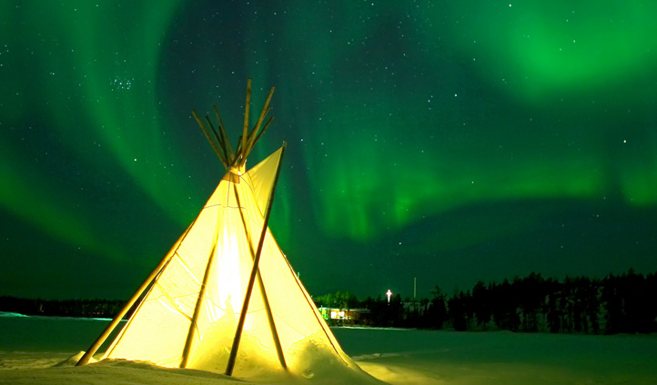 Tent under Northern Lights, Northwest Territories