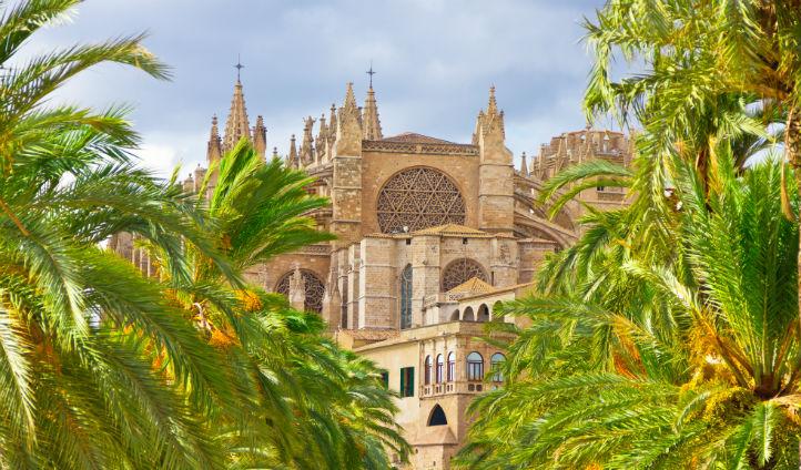 The balearics barcelona luxury holidays in spain for Palma pianta