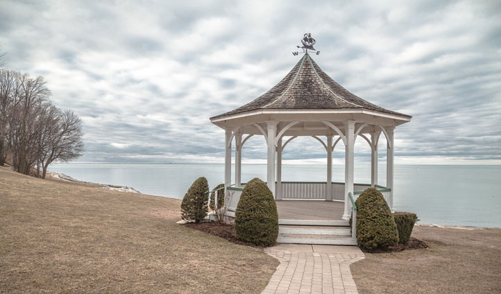 A gazebo in Niagara on the Lake, Canada