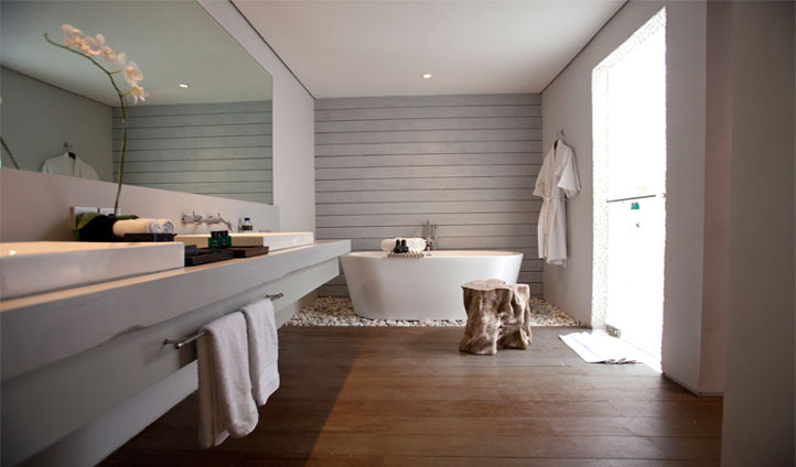 Luxurious bathrooms with stunning views are waiting for you