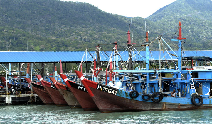 Visit the quaint fishing villages in Penang