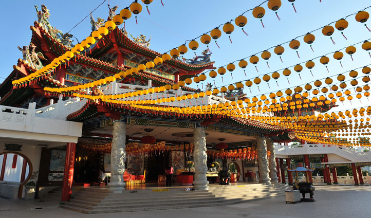 Visit the iconoc Thean Hou Temple in Kuala Lumpur