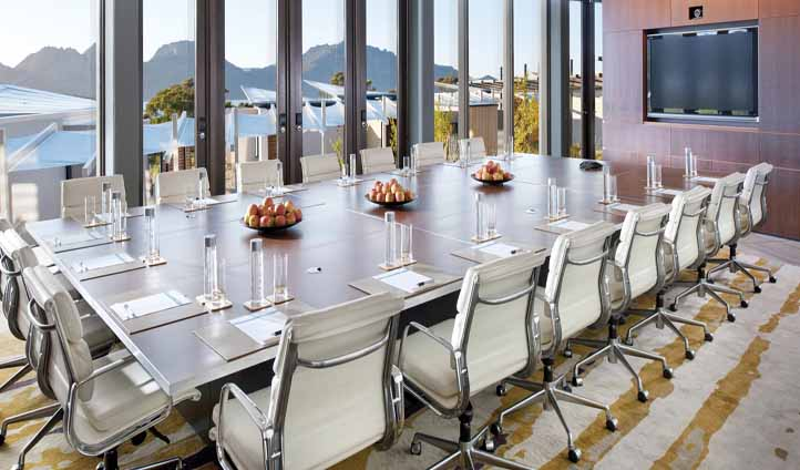 Business meets leisure in the Saffire boardroom