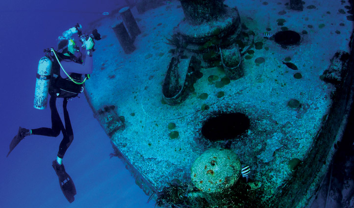 Diving wrecks in Bermuda