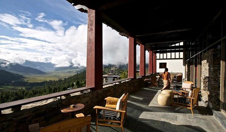 Next stop is the breathtaking Gangtey Goenpa Lodge