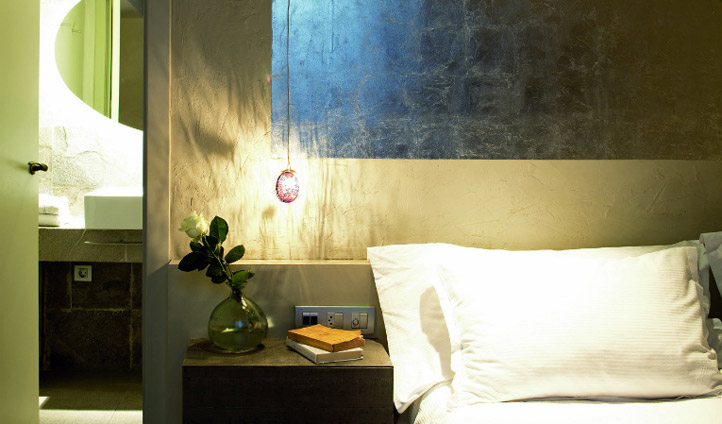 Relax in your room at Hotel Neri