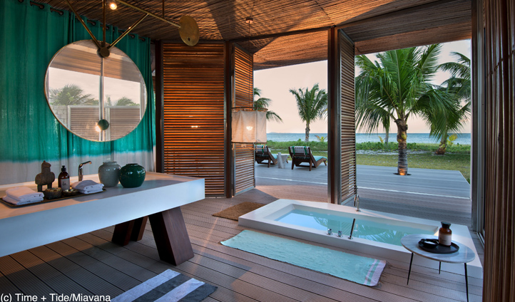 Sunken bathtubs overlook the Indian Ocean