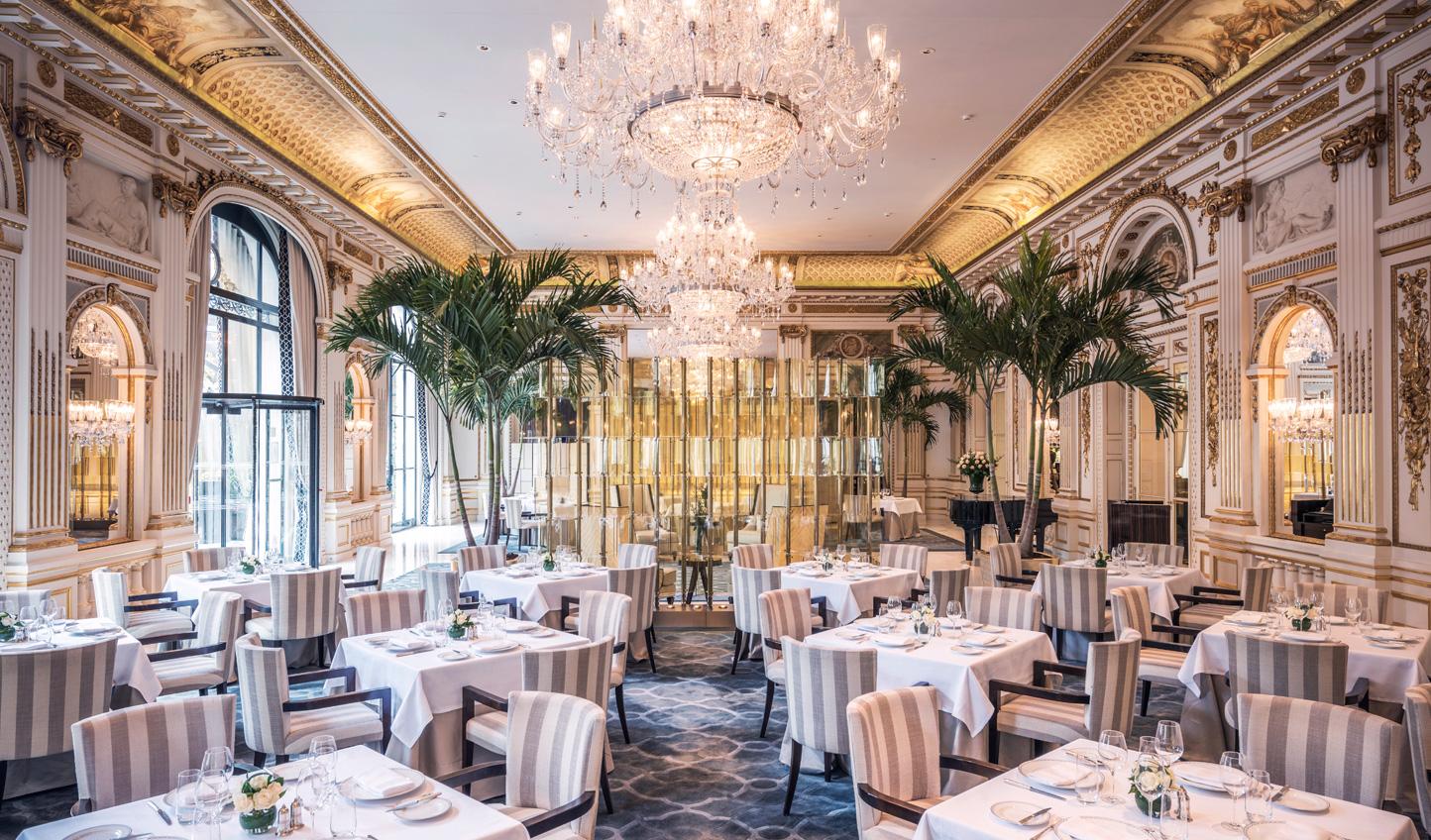 Glamorous Le Lobby Restaurant