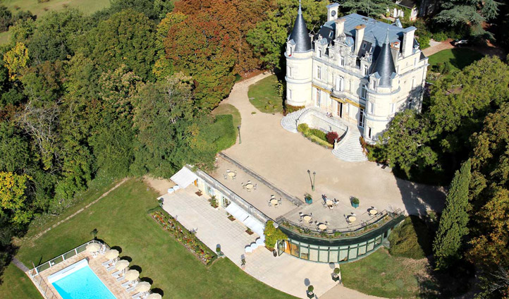 Bird eye view of your Chateâu