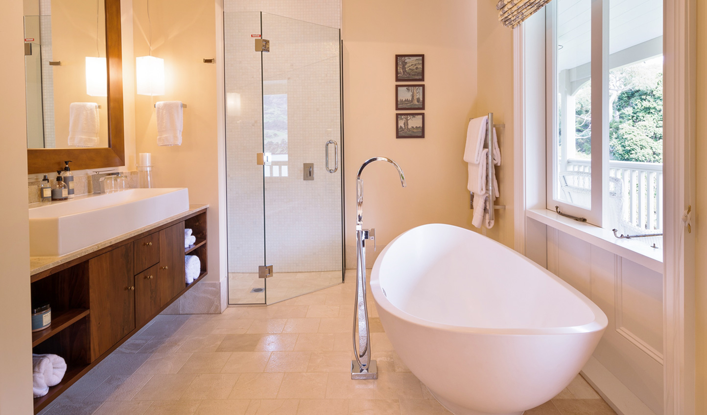 Soothe yourself in the oversized bathtub after a day of adventure