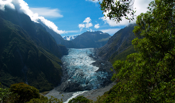 Explore the hot pools and glaciers in Franz Josef