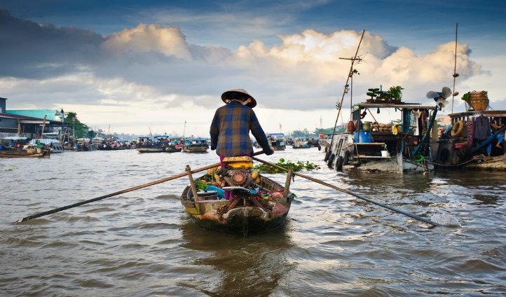 Cai Rang floating market |Black Tomato
