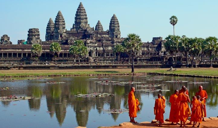 Ankor Wat, Cambodia | Black Tomato