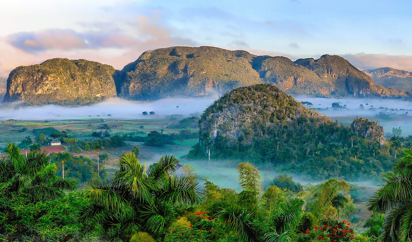 Admire the stunning landscaoe of Vinales Valley