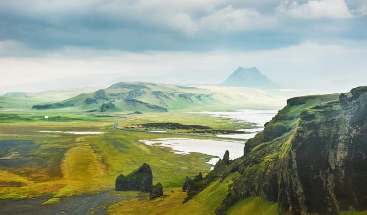 dramatic Iceland landscapes | Black Tomato