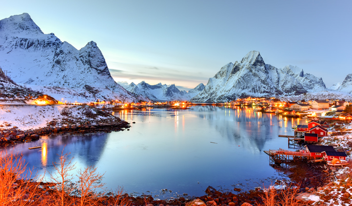 Experience the magic of winter in Reine