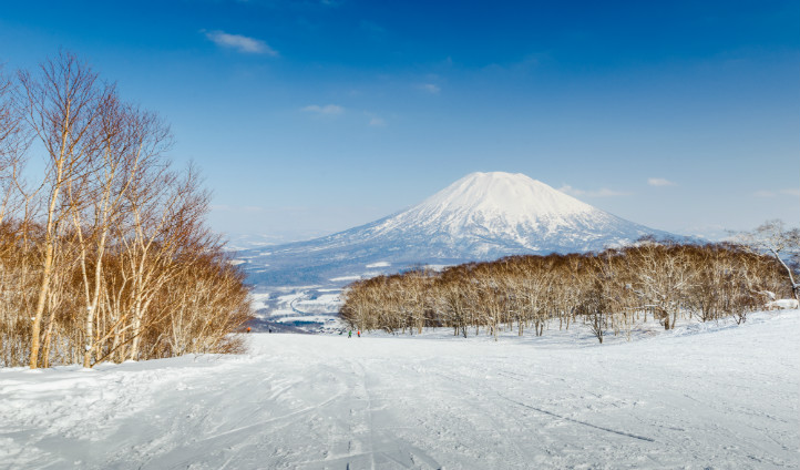 Skiing, Japan   Black Tomato