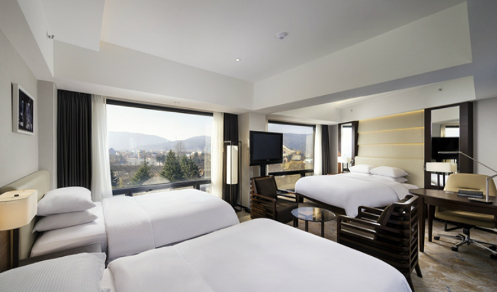 Unwind with a view in the spacious Deluxe Family Room