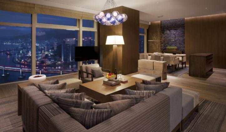 Diplomat Suite's luxury living room