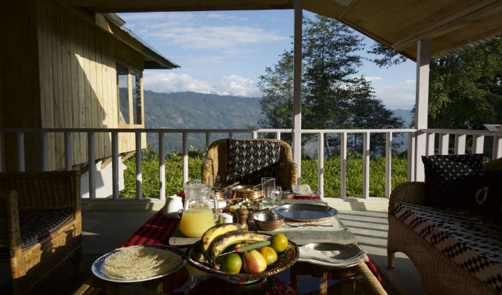 Hee House - a breakfast spot with dramatic scenery