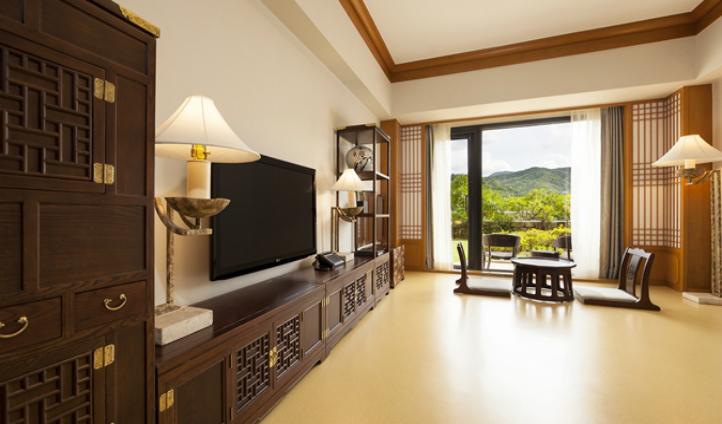 Korean-styled Premium Maple Ondol Suite