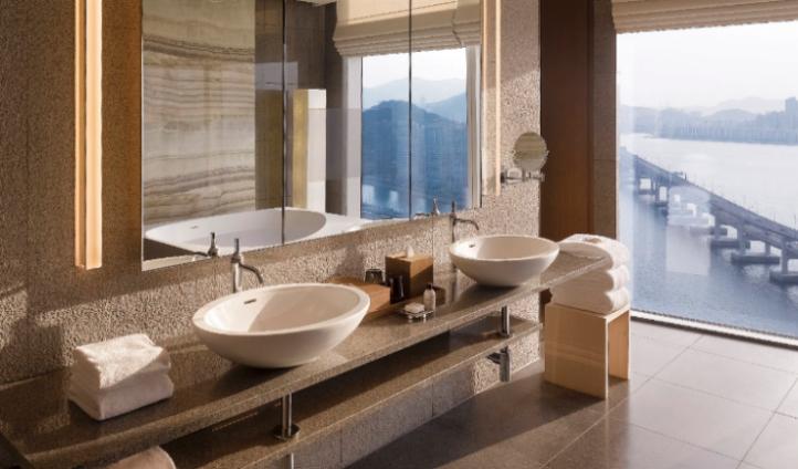 Bathroom in the Presidential Suite