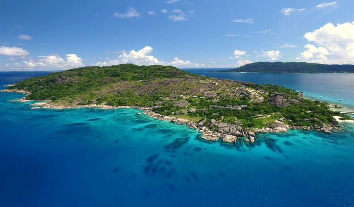 The breathtaking Felicite Island