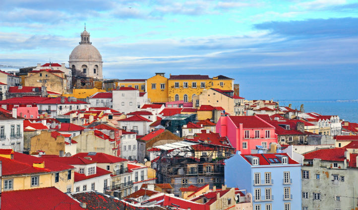 Walk the Seven Hills of Lisbon and discover beautiful views