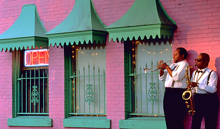 Two musicians play on the streets of Nashville, Tennessee