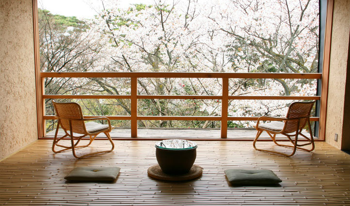Relax in the Wakamurasaki suite