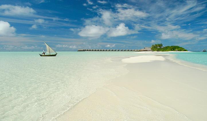 Set sail around the islands