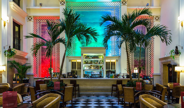 Saratoga Hotel Mezzanine Bar
