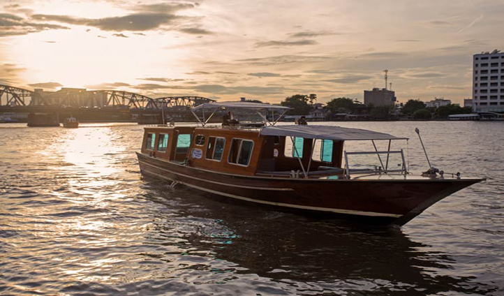 Skip the traffic and explore Bangkok by private boat