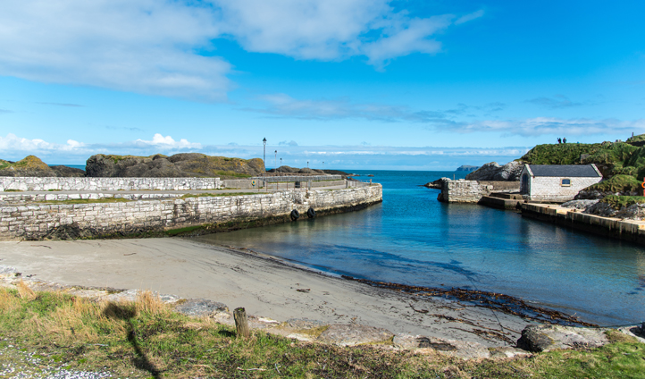 A touch of CGI and Ballintoy Harbour is transformed into Lordsport Harbour on Pyke