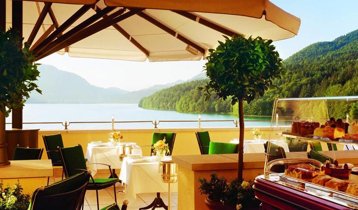 In the summer days, enjoy dinner on the terrace