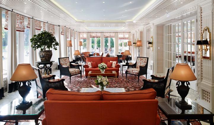 Enjoy a cup of tea in the Wintergarten Lounge