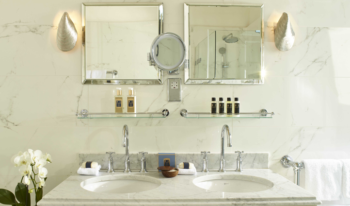 The elegant bathrooms of The Royal Crescent Hotel