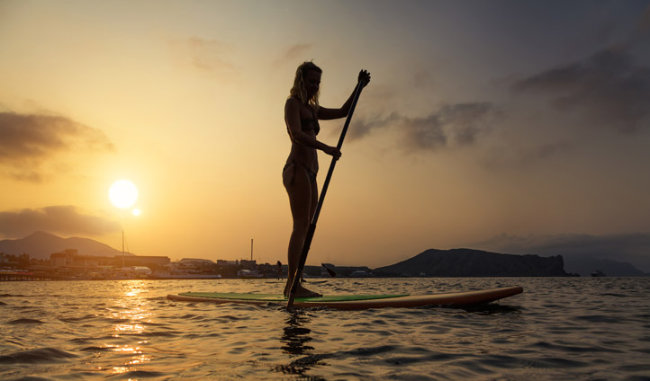 Drift by on a stand up paddle