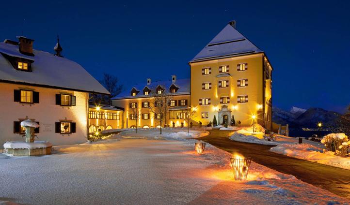 Admire the wintry beauty of Schloss Fuschl