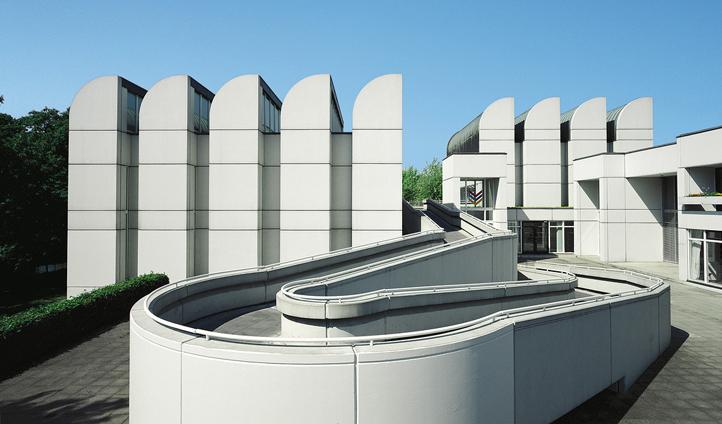 The Bauhaus-Archiv/Museum für Gestaltung in Berlin (1976-79), architects: Walter Gropius, Alex Cvijanovic and Hans Bandel, photo: Karsten Hintz