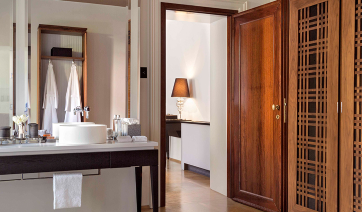 Modern bathrooms complement classical architecture